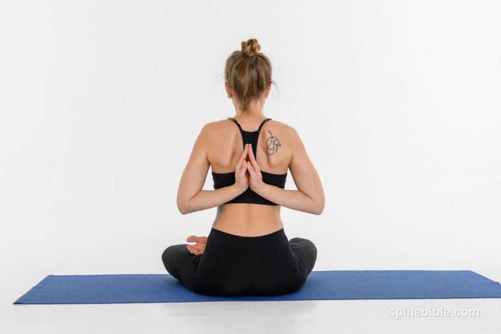 Асана йоги. Падмасана. Поза лотоса